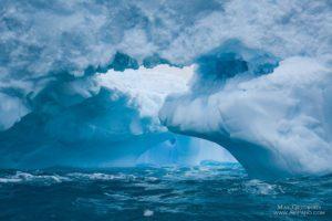 Iceberg. Foto de Max Guzovskiy.