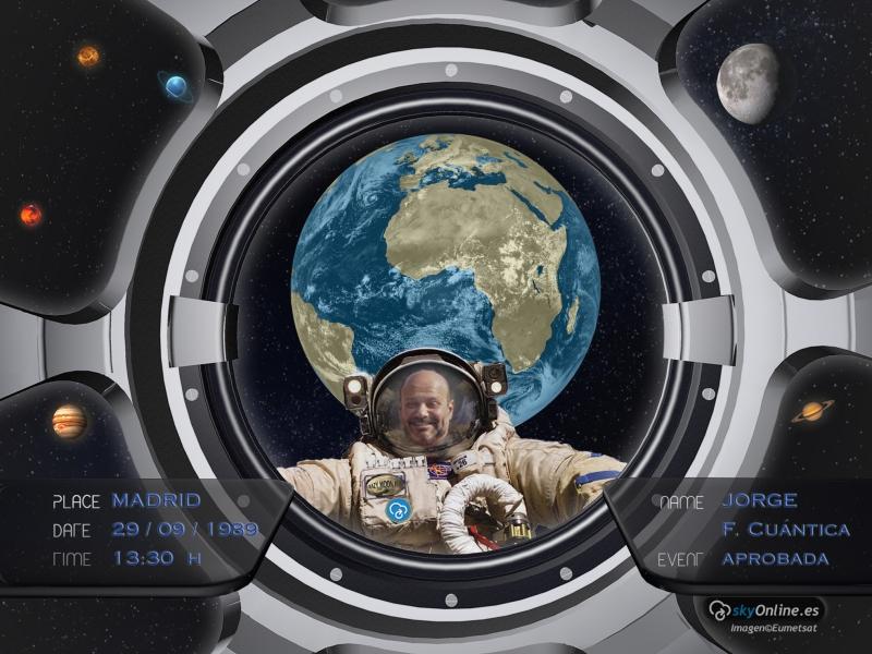 Imágenes satelitales desde finales de los 70´s hasta hoy. Rostro del astronauta personalizable.
