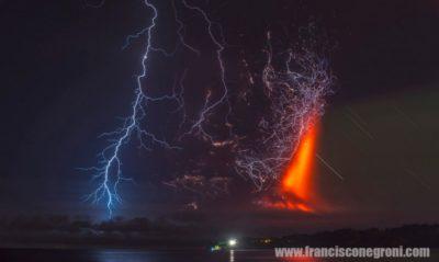 Relámpagos Volcánicos. Volcán Calbuco (foto FRANCISCO NEGRONI, 23-4-2015)